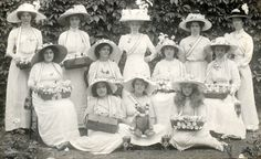 1912 | Mrs Biddle and her rose sellers | Flickr - Photo Sharing!