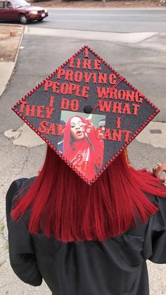 Cardi B lyrics graduation cap idea I like proving people wrong I do what they say I can't I like it like that grad cap Funny Graduation Caps, Custom Graduation Caps, Graduation Cap Toppers, Graduation Cap Designs, Graduation Cap Decoration, 8th Grade Graduation, Graduation Diy, Grad Cap, Graduation Pictures