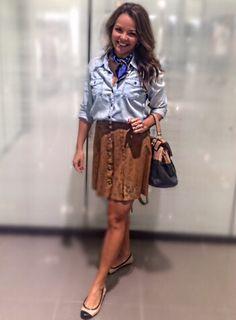 Casual look, saia de suede, camisa jeans, lenço, look of the day, look do dia, suede skirt, saia de camurça