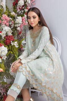 Eid Outfits Pakistani, Pakistani Formal Dresses, Eid Dresses, Pakistani Bridal Wear, Pakistani Dress Design, Pakistani Designers, Pakistani Clothing, Indian Bridal, Fancy Dress Design