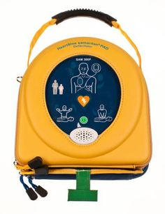 il defibrillatore Heartsine Samaritan PAD 300P è un defibrillatore automatico esterno (DAE) che analizza il ritmo cardiaco ed eroga una scarica elettrica alla vittima di Morte Cardiaca Improvvisa affinchè il cuore possa recuperare il suo ritmo normale.