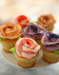 Rose cupcakes with a piped rose icing how to....