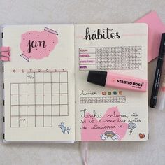 Bullet Journal Inspiration (For Your Best Year Yet) - Captivating Crazy Bullet Journal Tracker, Bullet Journal School, Bullet Journal Agenda, Bullet Journal Aesthetic, Bullet Journal Notebook, Bullet Journal Ideas Pages, Bullet Journal Spread, Bullet Journal Layout, Bullet Journal Inspiration