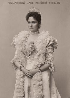 https://flic.kr/p/XSACjD | Empress Alexandra Feodorovna . 1898 .
