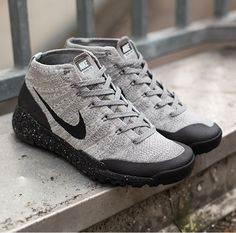 Nike Flyknit Trainer FSB: Grey/Black
