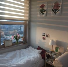 Home bedroom bed sleep minimalist small room ethereal Korean Japanese calming soft pretty ドエリング アパート 아파트 maison aparte chambre dormir coréen minimaliste L e l i a L' a r t My New Room, My Room, Living Room Decor, Bedroom Decor, Bedroom Ideas, Cozy Bedroom, Serene Bedroom, Bedroom Themes, Bedroom Bed