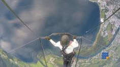 WebBuzz du 07/07/2016: Son deltaplane se casse en plein vol-His hangglider break during flight  Alors qu'il fait des tests, son deltaplane se casse en 2 ....   http://noemiconcept.com/index.php/en/departement-informatique/webbuzz-tech-info/207360-webbuzz-du-07-07-2016-son-deltaplane-se-casse-en-plein-vol-his-hangglider-break-during-flight.html