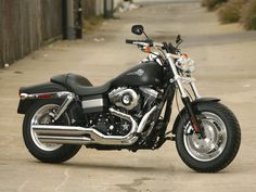 Harley Davidson FXDC Dyna Super Glide--mine has the same pipes, but with mini apes and a screamin eagle air intake
