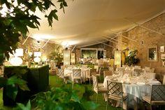 El Invernadero In salón que transita a las maravillosas zonas verdes de A Quinta da Auga