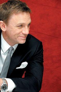 Daniel Craig James Bond Omega Seamaster Planet Ocean 2500