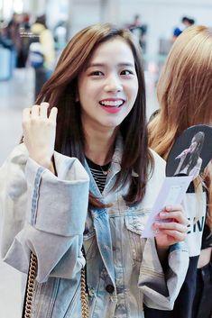 181007 ICN #JISOO Kpop Girl Groups, Korean Girl Groups, Kpop Girls, Yg Entertainment, Black Pink ジス, Lisa, Fandom, Jennie, Blackpink Jisoo