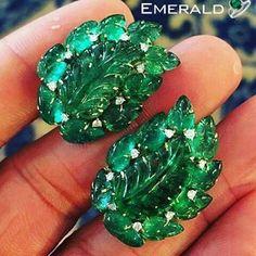 Designer emerald stud earrings to make you trendy. #stonestudearrings