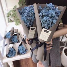 Shade Garden Flowers And Decor Ideas . Flower Shop Decor, Flower Shop Design, Flower Decorations, Flower Designs, Bouquet Wrap, Diy Bouquet, Dried Flower Bouquet, How To Wrap Flowers, Diy Flowers