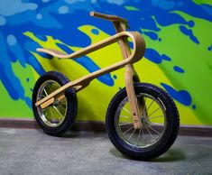 Zum Zum balance bike is a wooden bike with no pedals that uses just the childs feet to propel the bike. The wooden suspension makes it a comfortable ride Wood Bike, Balance Bike, Suspension Design, Kids Bike, Toddler Bike, Bicycle Design, Wood Toys, Kids Learning, Natural
