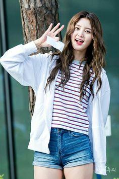dedicated to female kpop idols. Mingyu, South Korean Girls, Korean Girl Groups, Exid Junghwa, Sistar, Kpop Girls, Asian Beauty, Parks, Rapper
