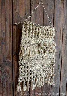 I used some super bulky yarn from my stash to make this fun and funky Textured Wall Hanging Crochet Pattern! Crochet Dreamcatcher Pattern, Crochet Vest Pattern, Crochet Patterns, Crochet Wall Art, Crochet Wall Hangings, Crochet Towel, Crochet Dishcloths, Pet Sweaters, Lion Brand Wool Ease