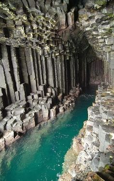 10 travel 10 nature: Cave of Melody, Scotland