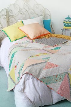 Soulful Eyes: Happy Crossings Free Quilt Pattern @Savannah Palma This would be cute with vintage sheets too