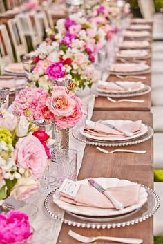 View high quality Impressive Bridal Shower Table Decoration Ideas Pink Wedding Table Setting suggestions in few graphics from Kelly Lopez, interior d. Summer Wedding, Dream Wedding, Trendy Wedding, Elegant Wedding, Wedding Lunch, Ivory Wedding, Floral Wedding, Perfect Wedding, Daytime Wedding