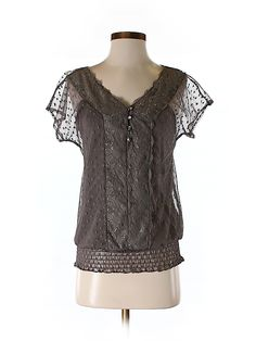 Check it out - Maurices Short Sleeve Top for $6.99 on thredUP!