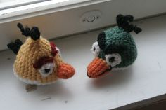 Angry birds yellow and green