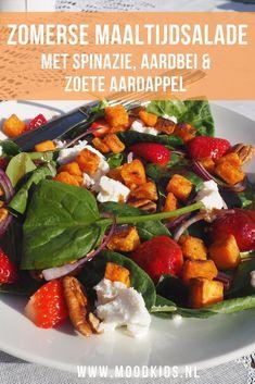Zomerse maaltijdsalade met spinazie, aardbeien en zoete aardappel  | MoodKids