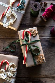 Just in time for Christmas, I'm so excited to share my 6 easy DIY Christmas Gift Wrapping Ideas. Have fun with your gift wrapping this year, with these easy ideas! Diy Gifts For Christmas, Christmas Mood, Noel Christmas, Christmas Gift Wrapping, Christmas Skirt, Elegant Christmas, Personalised Christmas Gifts, Christmas Decorations Diy Crafts, Cute Christmas Ideas