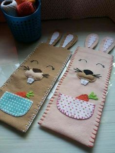 Chocolate, Pot Holders, Sewing Patterns, Altered Tins, Easter Crafts, Toddler Arts And Crafts, Candy Boxes, Felt Books, I Phone Cases