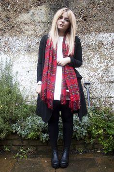 LLYMLRS // UK Style and Fashion Blog: plaid scarf