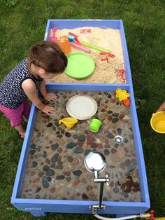 DIY Gifts for Toddlers: Build a Sand and Water Table # garden activities for toddlers play ideas Diy Gifts For Kids, Diy Crafts For Gifts, Toddler Gifts, Summer Crafts, Diy For Kids, Diy Outside Toys For Toddlers, Craft Kids, Toddler Play, Baby Play