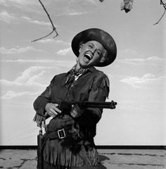 """Doris Day, en el estelar de """"Calamity Jane"""" (1953). Imagen en la lente del fotógrafo Ed Clark."""