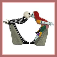 NBX Jack and Sally Kiss Salt and Pepper Shakers - Westland Giftware - Nightmare Before Christmas - Kitchenware at Entertainment Earth Nightmare Before Christmas, Kitsch, Salt N Peppa, Westland Giftware, Tabletop Accessories, Kitchen Accessories, Disney Kitchen, Christmas Kitchen, Christmas Stuff
