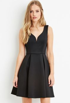 Forever 21 Pleated A-Line Dress $30 : A sleeveless dress with a notched sweetheart neckline and a pleated A-line skirt.