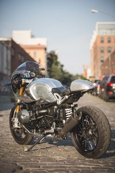 BMW R nineT by JANE Motorcycles