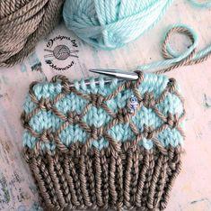 Regan Beanie Knitting Pattern By Phanessa & regan beanie strickmuster von phanessa & modèle de tricot regan beanie par phanessa Diy Crafts Knitting, Easy Knitting Patterns, Knitting Stitches, Yarn Crafts, Knitting Projects, Baby Knitting, Knitting Needles, Knitting Wool, Crochet Stitches
