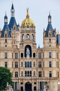 The Grand Schwerin Castle in Germany. For centuries the palace was the home of the dukes and grand dukes of Mecklenburg and later Mecklenburg-Schwerin. Today it serves as the residence of the Mecklenburg-Vorpommern state parliament. Beautiful Castles, Beautiful Buildings, Beautiful Places, Places To Travel, Places To See, Travel Destinations, Le Palace, Castles To Visit, Germany Castles