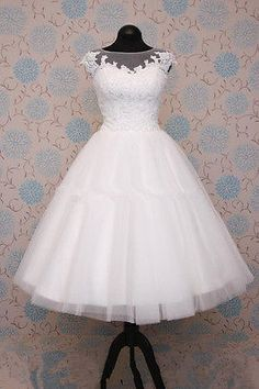 short 50s 60s wedding #dresses tea #length knee #embellished corded lace,  View more on the LINK: http://www.zeppy.io/product/gb/2/121840234421/