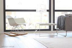 Ihana Eames ja Hayn pöytä   Valkoinen Harmaja   Sivu 2