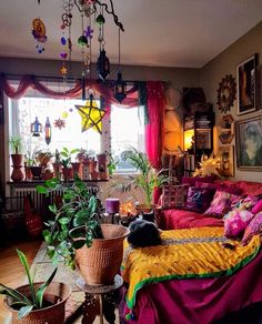 Bohemian Living Room Decorating - Bohemian Home Gypsy Bohemian House, Bohemian Living, Boho Home, Modern Bohemian, Hippie Living Room, Hippie Bedroom Decor, Gypsy Bedroom, Gypsy Home Decor, Gothic Bedroom