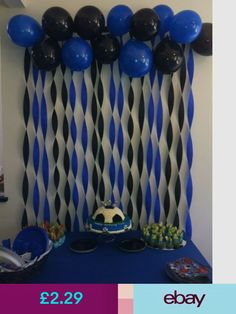 In Soccer Party Decoration you take this idea for the theme of Barcelona and use red and blue balloons and streamers. Add some yellow too! - Decoration For Home Graduation Decorations, Balloon Decorations, Birthday Party Decorations, Decoration Party, Graduation Party Ideas High School, Graduation Diy, Crape Paper Decorations, Batman Party Decorations, Graduation Table Centerpieces