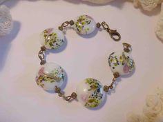 Jardin japonais (bracelet perles peintes style vintage) : Bracelet par bourriquette89