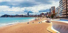 ¿Sabías que los días como hoy también tienen sus cosas buenas? Te damos dos razones para que ames los Días Nublados:  ☑ El sol no te abrasará y podrás disfrutar de un fresco paseo otoñal  ☑ Las fotos con nubes quedan muy bonitas e interesantes  #DíasNublados #HotelCarlosBenidorm #HotelCarlosI #HotelBenidorm #Hotel #HotelesBenidorm #Hoteles #CostaBlanca #Playa #PlayaBenidorm #CiudadBenidorm #TurismoCostaBlanca #Turismo #Benidorm #Benilovers