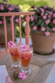 Float SunPatiens petals in refreshments and cocktails
