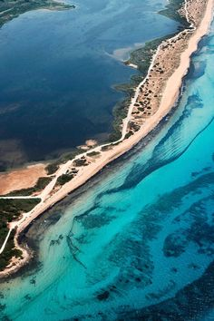 Head to Chalikounas Beach for the best kitesurfing and windsurfing. This beach is located on the southwestern coast of the island of Corfu in Greece.