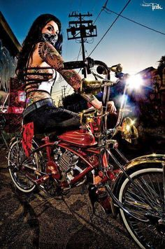 Lowrider bike and LatinoYou can find Lowrider and more on our website.Lowrider bike and Latino Arte Lowrider, Lowrider Bike, Chicano Love, Chicano Art, Art Latino, Chica Chola, Picture Instagram, Motard Sexy, Estilo Cholo
