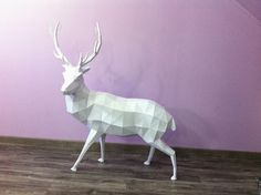 Sculpture Cerf en papier - Paper Stag/Deer Sculpture #paper #papier #papercut #pepakura #papercraft #design #sculpture #vector #lowpoly #polygon #stag  #deer #cerf #antlers