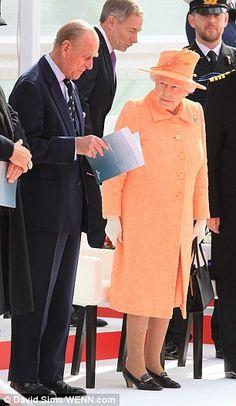 Prince Philip cracks a joke as the Queen launches new ship Britannia Die Queen, Hm The Queen, Save The Queen, English Legends, Duke Edinburgh, Royal Monarchy, Prince Phillip, Queen Of England, Elisabeth