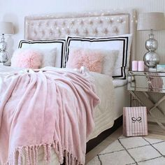 Pin by amy heflin on the babe cave sovrum, hem inredning, in Feminine Bedroom, Glam Bedroom, Cozy Bedroom, Home Decor Bedroom, Bedroom Ideas, Glam Bedding, Blush Bedroom, Bedroom Simple, Pink Bedding