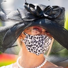 Black Kentucky Derby Hat and a matching mask! Kentucky Derby Hats, Racehorse, Thoroughbred, Crop Tops, Photo And Video, Instagram, Black, Women, Fashion
