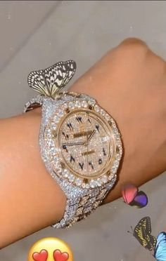 Diy Kawaii Jewelry, Cute Jewelry, Jewelry Accessories, Expensive Watches, Expensive Jewelry, Luxury Lifestyle Fashion, Accesorios Casual, Luxury Jewelry, Girly Things